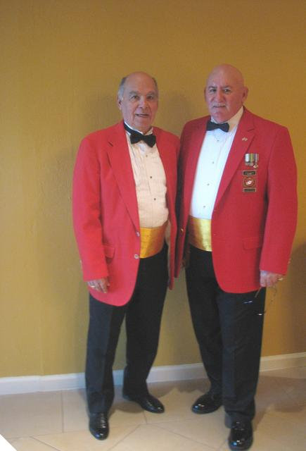Usmc mess dress uniform — 1